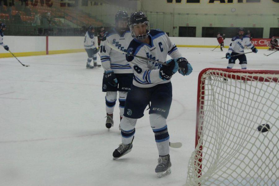 Boys Hockey receives 2nd seed