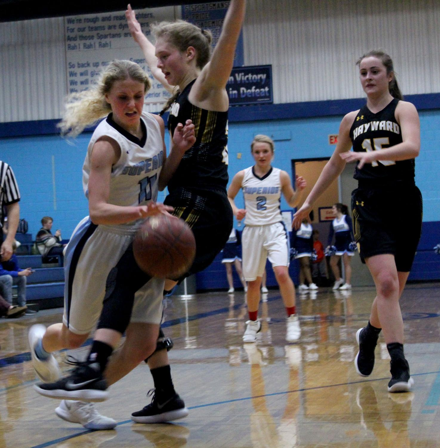 Senior Sophie Kintop drives to the hoop for a layup on Tuesday in the SHS gym.