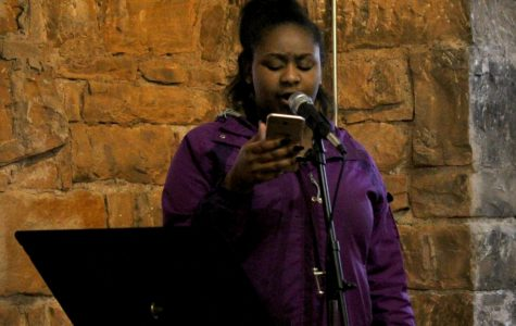 Open Mic Night Opens Coffeehouse Doors to SHS Students