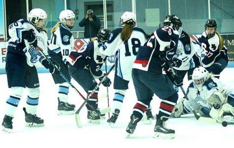 Girls' Hockey bounces back with win
